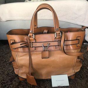 Burberry leather purse EUC